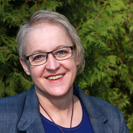 Inez Abrahamzon krönikör och skribent